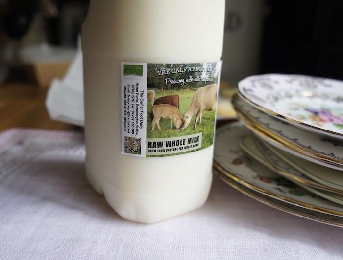 Calf_at_Foot_Raw_Milk