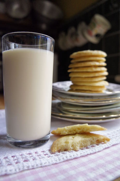 Milk_and_Biscuits