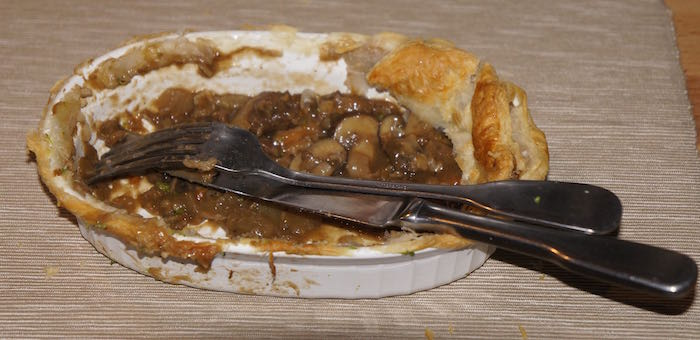 Finished_Steak_and_Kidney_Pie