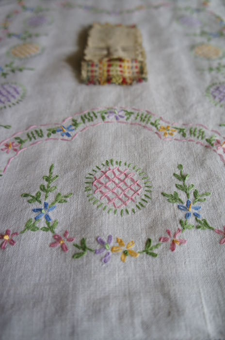 Vintage_Embroidered_Tray_Cloth