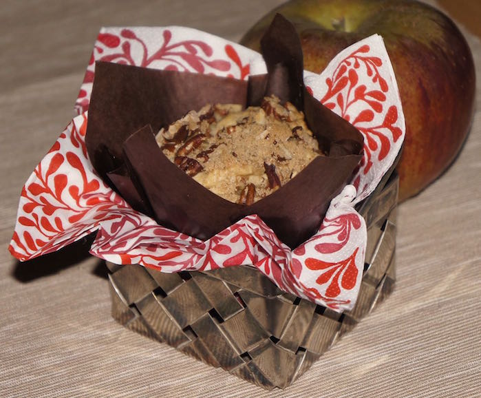 Apple_and_Pecan_Muffin