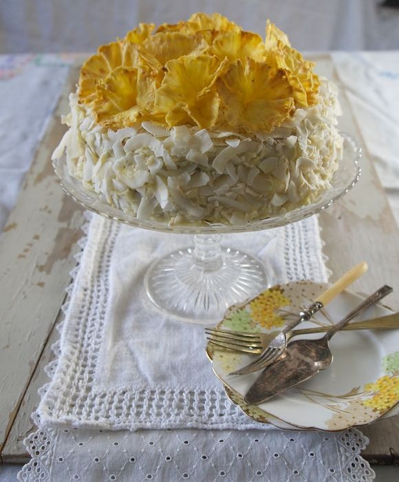 COCONUT AND WHITE CHOCOLATE CAKE