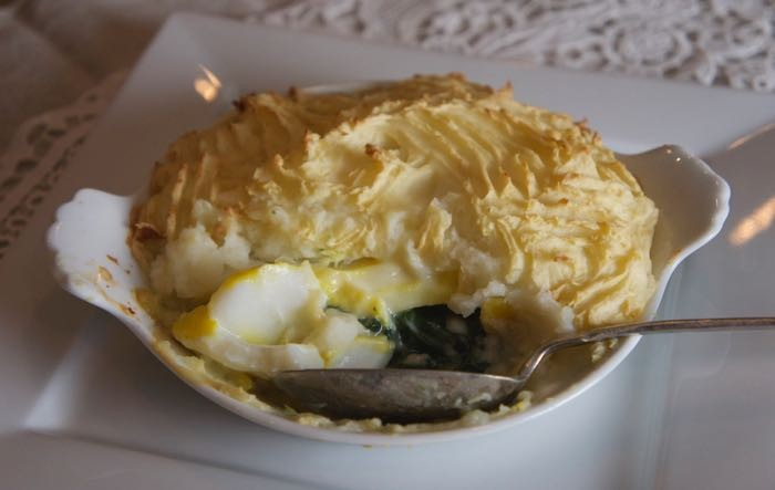 SMOKED COD AND SPINACH PIE