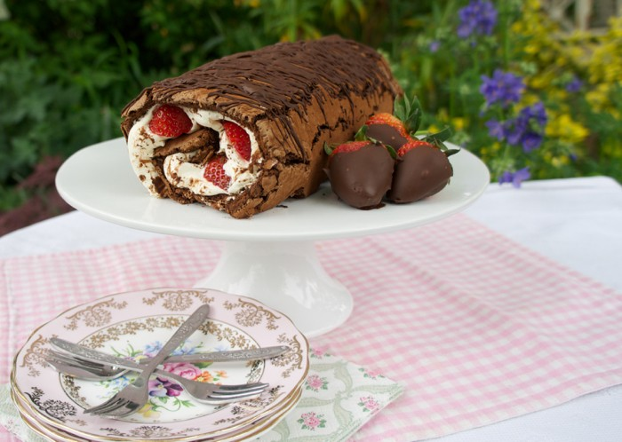 CHOCOLATE LOG WITH STRAWBERRIES