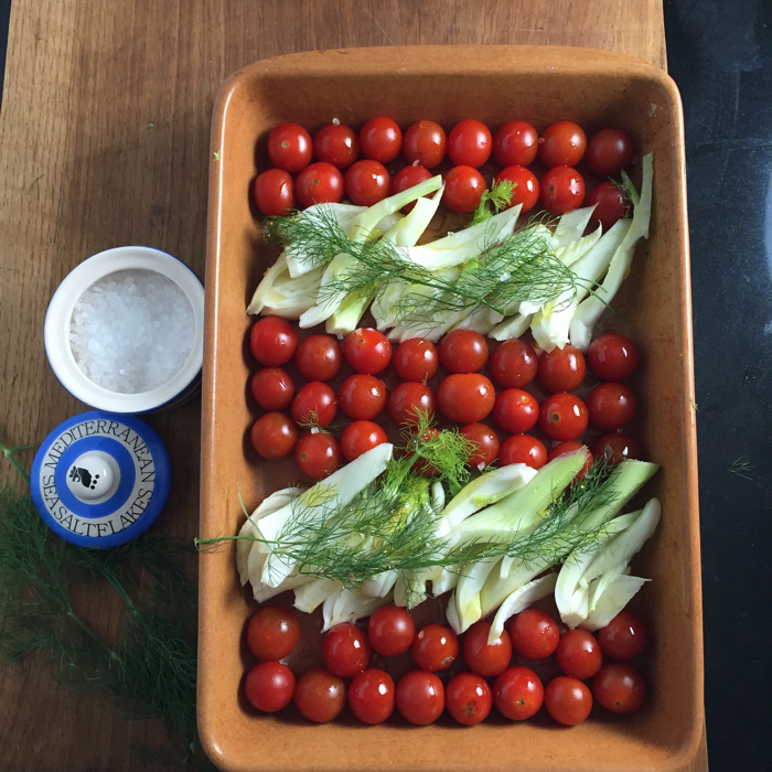 Tomato and fennel for roasting