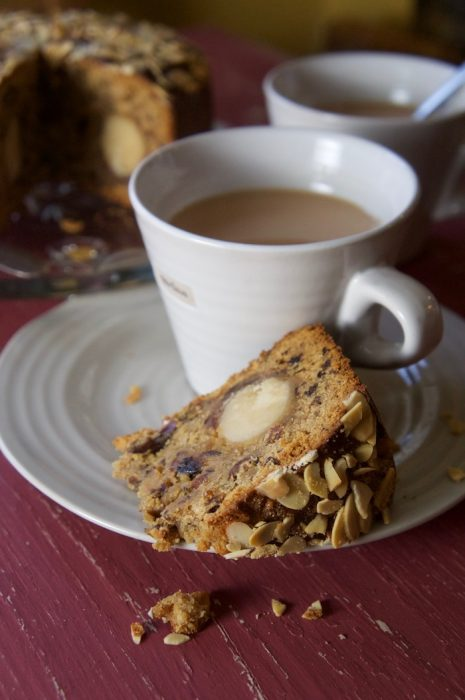 MINCEMEAT AND MARZIPAN CAKE